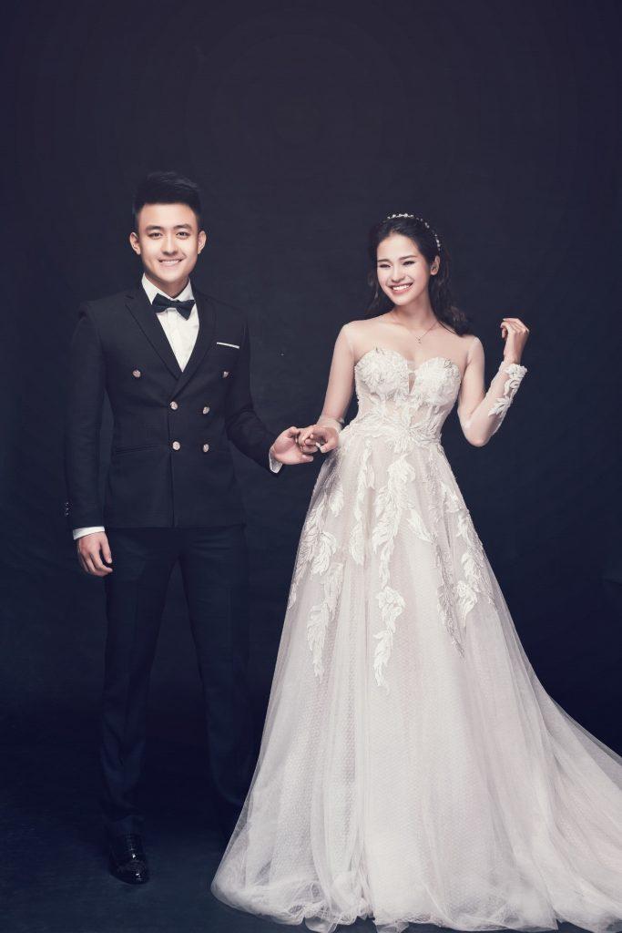 Nên chụp hình cưới Sài Gòn trong studio không?